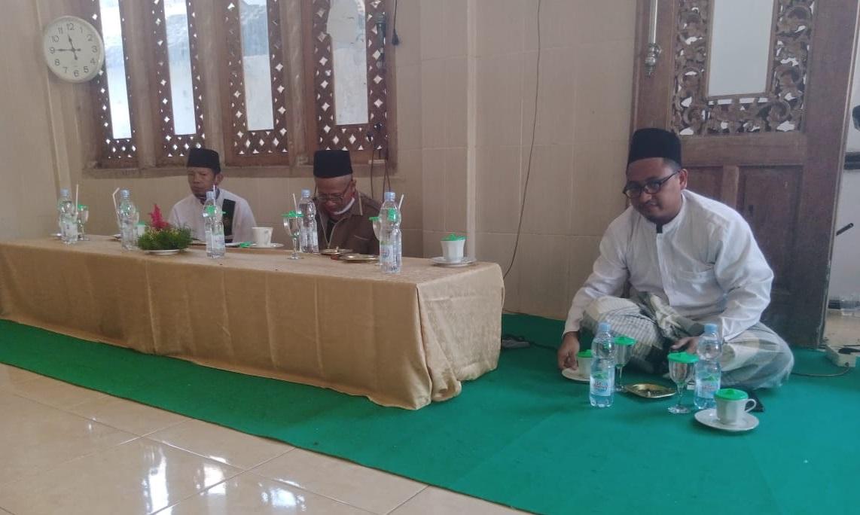 Seminar Buku Fikih Kebangsaan Lirboyo Cak Iman LBM NU Trenggalek di PP Al Mursyid Duwet Ngetal Pogalan