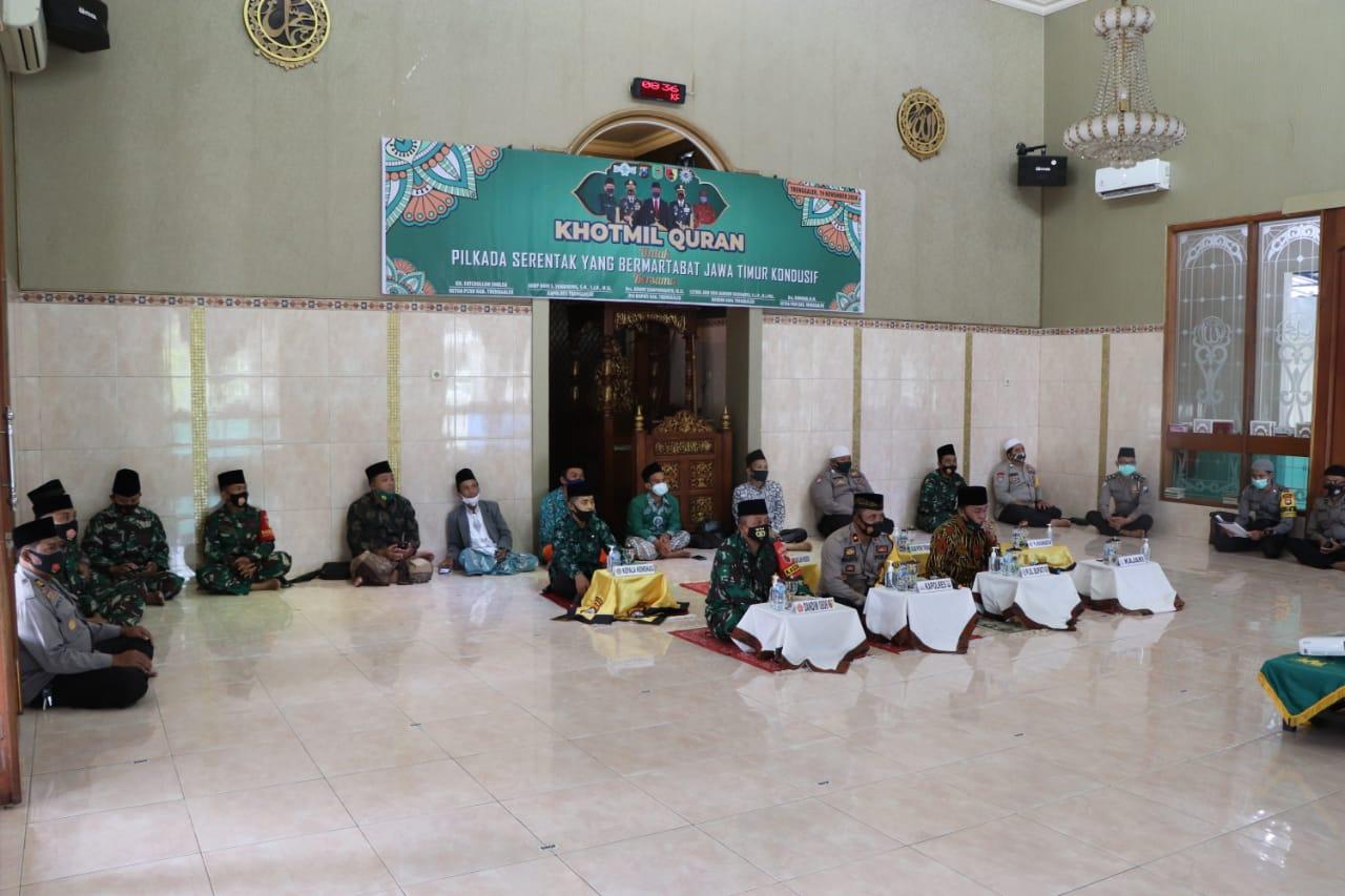Khotmil Quran serentak JQHNU Trenggalek se-Jawa Timur bareng Polres Trenggalek wujudkan Pilkada Serentak Bermartabat dan Kondusif