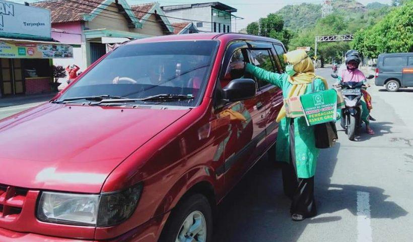 bagi 2000 masker aksi peduli wabah pandemi corona