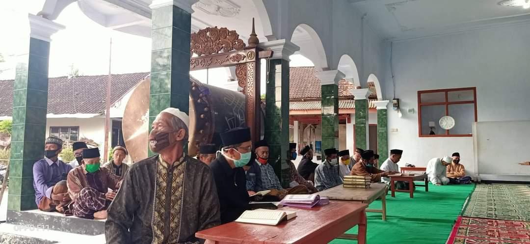 tradisi istimaul quran bil ghaib sambut tahun baru hijriyah muharam desa senden kampak