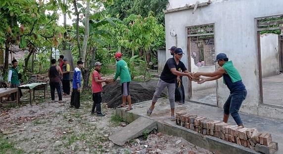 bedah rumah korban gempa bumi 6.1 SR selatan kabupaten malang