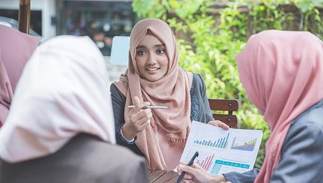 pendidikan perempuan sarjana ibu rumah tangga